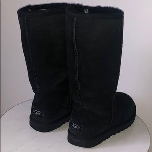 Uggs women black size 7